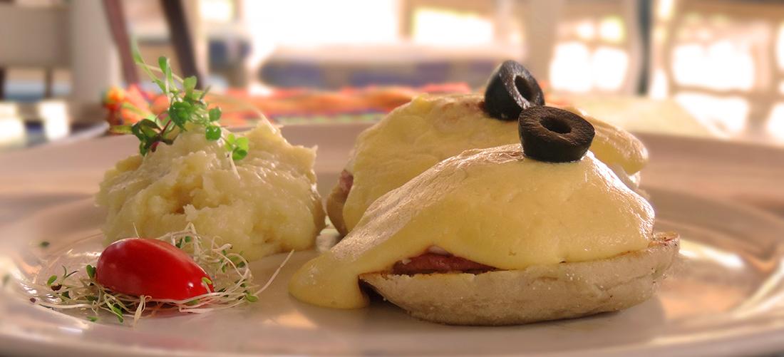 eggs-benedict-Restaurant Oscars