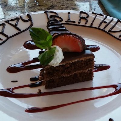 Restaurant Oscars - birthday dessert